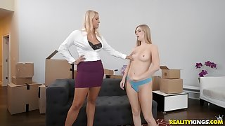 Blonde slutty Vanessa Cage and Dolly Leigh share a cock in a house
