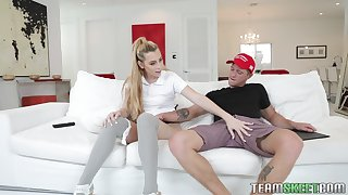 Blonde slut Melody Parker deepthroats and gets fucked hardcore at home