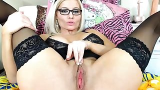 blond candy with in a reverie cunt - webcam video