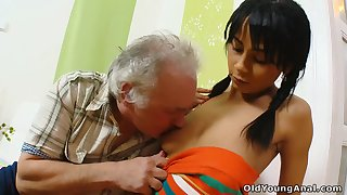 Old man helps naughty brunette Kim nearly car plus gets paid nearly nice BJ